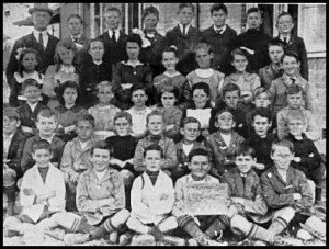 Kingsgrove Public School students from 4th, 5th and 6th class, 1918